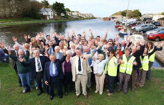 Celebrating the launch of the Canal Regeneration Project on 13th October 2006