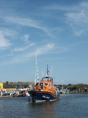 Visiting lifeboat on Lifeboat Weekend 2007